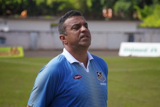 Márcio Ribeiro é o comandante do Água Santa (Foto: Divulgação/FPF)