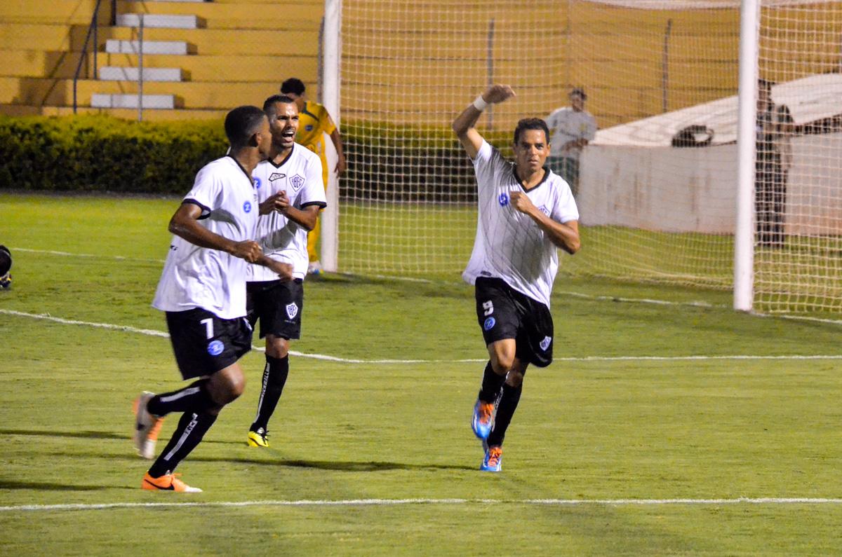 Jobinho é uma das esperanças do Rio Branco (Foto: Sanderson Barbarini/Divulgação)