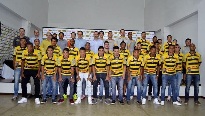Elenco do Novorizontino posa na apresentação para a temporada (Foto: Divulgação/Novorizontino/Willian Lima)