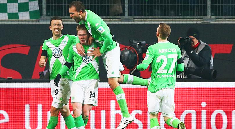 Jogadores do Wolfsburg comemoram mais um gol: cena frequente (Foto: Divulgação/Wolfsburg)