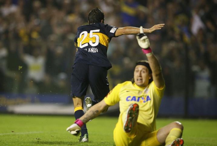 Argentino Blandi fez o gol da vitória do Boca sobre o Corinthians por 1 a 0 na Libertadores 2013 (Javier Garcia Martino/Photogamma/Boca/Reprodução)