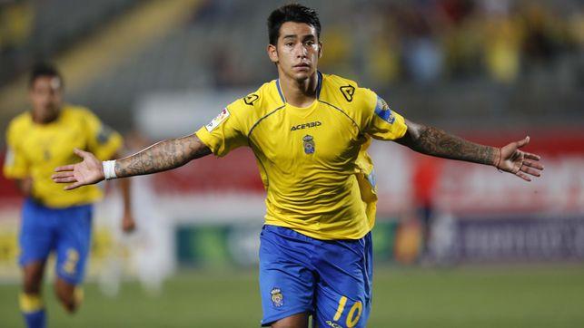 Sergio Araujo é o craque do Las Palmas, líder da Liga Adelante (Foto: UD Las Palmas/Divulgação)