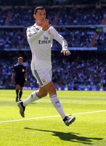 Cristiano Ronaldo jáse tornou uma lenda merengue (Foto: Reprodução/facebook)