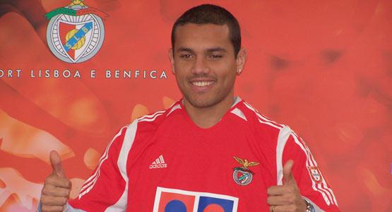 Atacante Marcel pouco jogou no Benfica (Foto: Divulgação)
