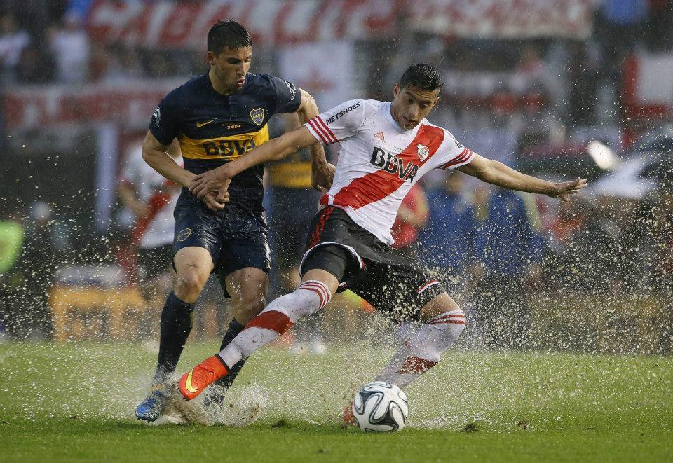 River eliminou os Xeneizes na Sul-Americana em 2014; Boca goleou os Millonarios na pré-temporada de 2015 (Fotos: Prensa Boca Juniors / Javier García Martin)