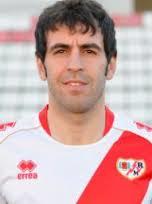 O bom meio-campista Roberto Trashorras é o craque do time (Foto: Divulgação/rayistas.com)