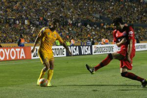 Rafael Sóbis, à esquerda, marcou 4 gols pelo Tigres na Libertadores (Foto: Divulgação)