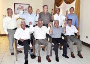 Em 2011, 48 anos depois, heróis de 1963 se reencontraram para relembrar título (Foto: Reprodução/Jornal La Patria)