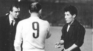 Dois dos gênios do futebol argentino (Foto: Reprodução/ilcatenaccio.es)