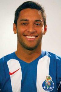 Ibson até jogou bastante pelo Porto, mas pouco conseguiu fazer (Foto: Divulgação)
