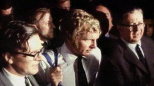 Moore em sua liberação da delegacia (Foto: Reprodução)