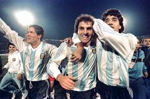 Jogadores festejam após conquista do título (Foto: Reprodução)