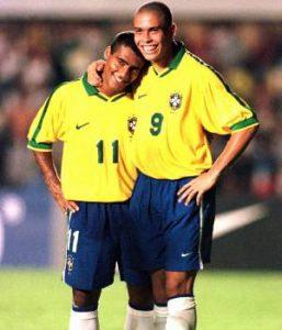 """A dupla """"Ro-Ro"""" atormentou os rivais em 97 (Foto: Divulgação/Conmebol)"""