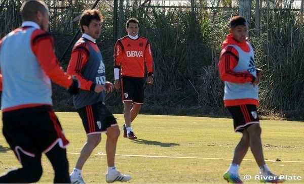De volta, Saviola participa de treinamento no River Plate (Foto:Diego Haliasz/River)