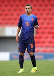 Nouri é a principal joia holandesa (Foto: UEFA/Divulgação)