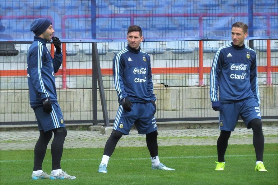 Mascherano, Messi e Biglia foram titulares na Copa América (Foto: Divulgação/AFA)