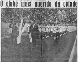 Ostentando as cores e o nome do estado de São Paulo, Tricolor foi ovacionado no Pacaembu (Foto: Reprodução/SPFC1935)