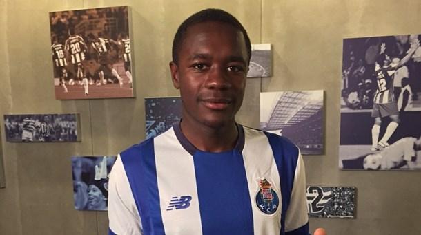 Jovem volante francês Imbula é a principal contratação do Porto para a temporada (foto: Divulgação/FC Porto)