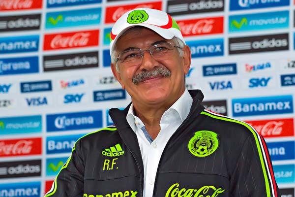 Ferreti durante sua apresentação na seleção do México (Foto: FEMEX)