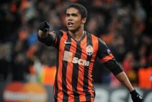 Atraiu os olhares dos grandes clubes europeus jogando no Shakhtar (Foto: Reprodução)