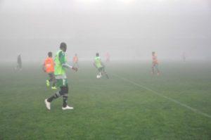 Neblina, a marca registrada do estádio (Foto: Reprodução / esporteserrano.com.br)