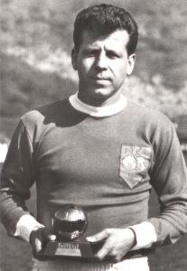Masopust era a estrela do time tchecoslovaco vice-campeão mundial em 62, no Chile (Foto: Reprodução)