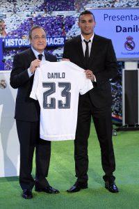 Danilo vestirá a camisa 23 do Real Madrid (Foto: Reprodução)