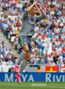 Atleta marcou cinco gols diante do Espanyol e espantou início ruim (Foto: Reprodução)