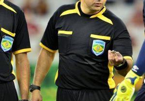 Arbitragem brasileira vem desapontando torcedores e dirigentes (Foto: CBF/Divulgação)