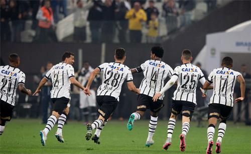 Com boa parte dos jogadores no auge da forma, Corinthians lidera o Brasileiro (Foto: Agência Corinthians/Divulgação)