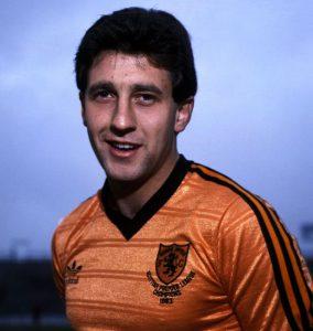 Lenda do Dundee United, Ralph Milne faleceu aos 54 anos neste domingo, por problemas causados pelo alcoolismo (Foto: Reprodução).