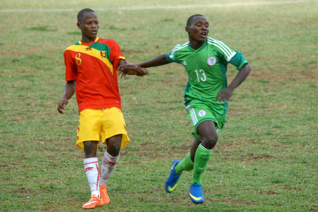 Guiné chegou à frente da Nigéria nas eliminatórias tendo Conte como um dos destaques (Foto: Reprodução)