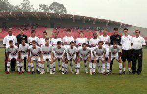 A equipe que foi bem no Paulista sub-15 (Foto: Divulgação/saopaulofc.com.br)