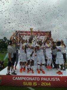 São Paulo foi campeão paulista sub-15 2014 (Foto: Divulgação/saopaulofc.net)