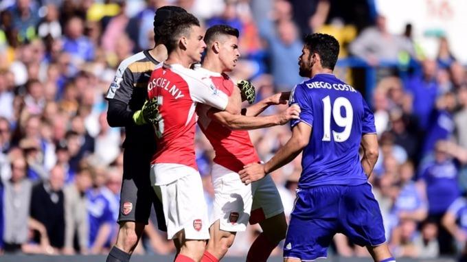 Diego Costa arranjou briga com Koscielny e Gabriel Paulista (Foto: Reprodução)