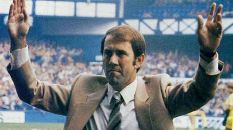 O técnico Howard Kendall mudou a história do Everton (Foto: Reprodução)