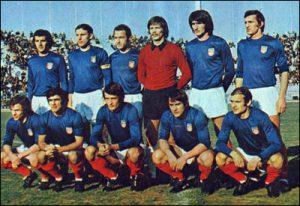 A equipe da final (Foto: Reprodução/soccermon.com)
