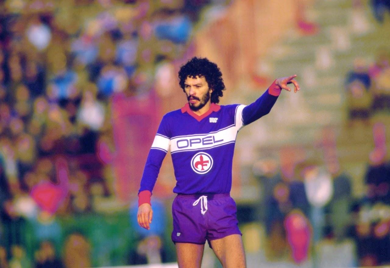 Sócrates trocou o Corinthians pela Fiorentina nos anos 80 (Foto: Reprodução)