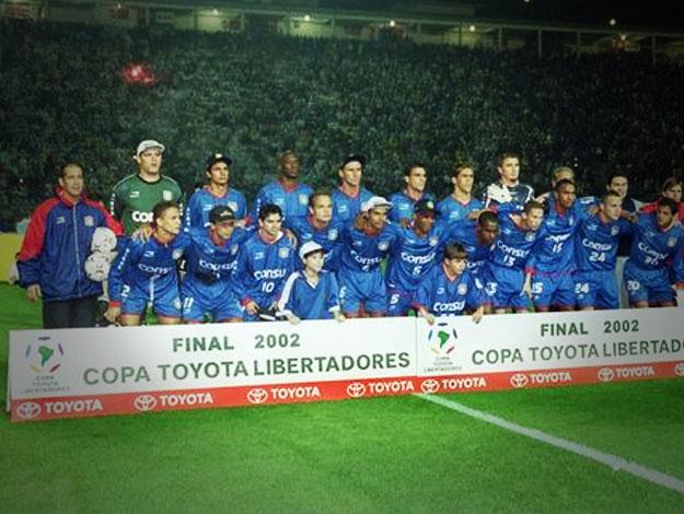 Elenco vice-campeão da Libertadores 2002 (Foto: Reprodução)