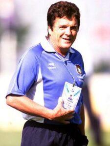 O técnico Jair Picerni foi um dos responsáveis pelo grande momento entre os anos 2000-2002 (Foto: Reprodução)