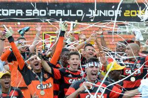 Flamengo foi o grande campeão da edição da Copa São Paulo 2016 (Foto: Divulgação/fpf)