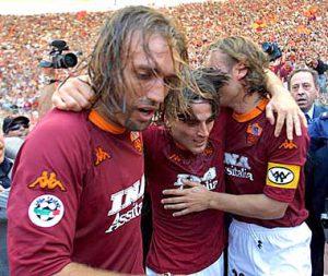 O trio Batistuta, Montella e Totti (Foto: Reprodução)