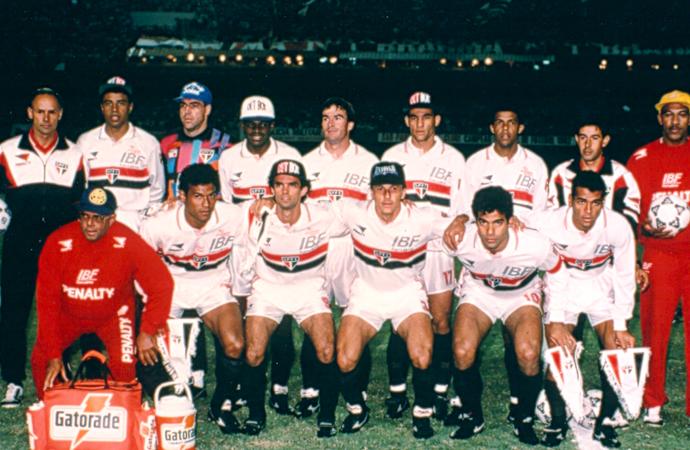 Elenco campeão da Libertadores 93 (Foto: Reprodução)