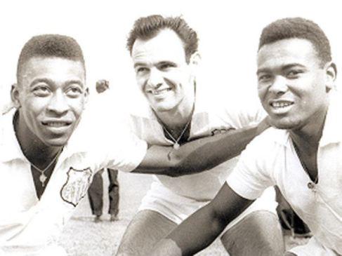 Pelé, Pepe e Coutinho. Um baita trio... (Foto: Reprodução)