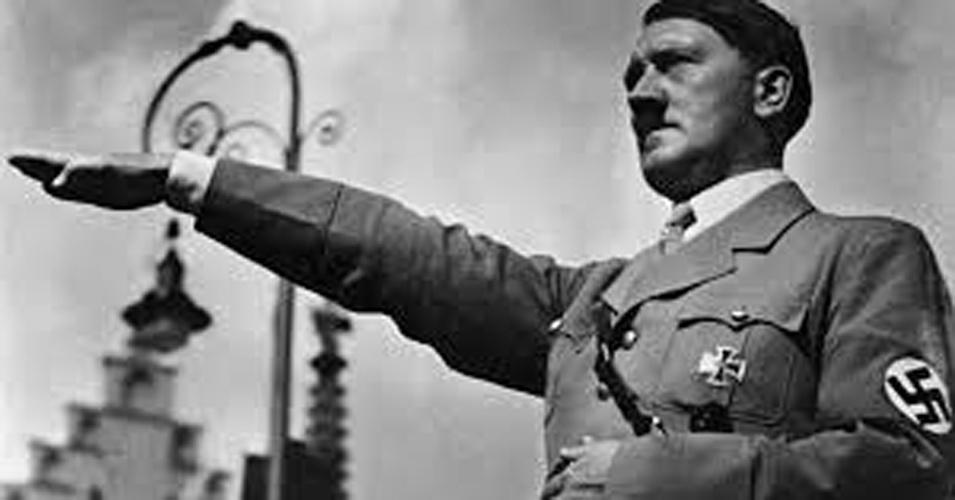 Dizem que o ditador alemão jamais assistiu a uma partida do Schalke (Foto: Reprodução)