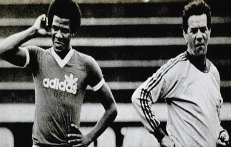 Jorge Mendonça e Telê Santana (Foto: Reprodução/Placar)