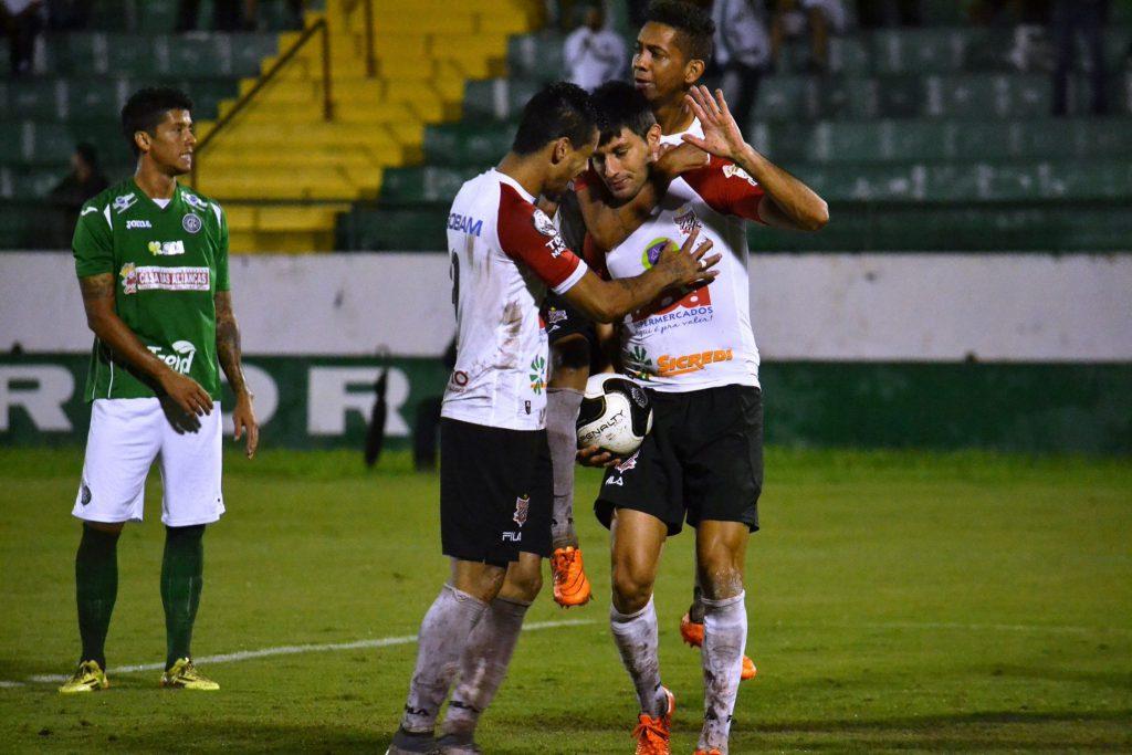 Com gol de Rodrigo Arroz, Paulista derrotou Guarani fora de casa, mas não emplacou reação (Foto: Gustavo Amorim/Paulista FC)