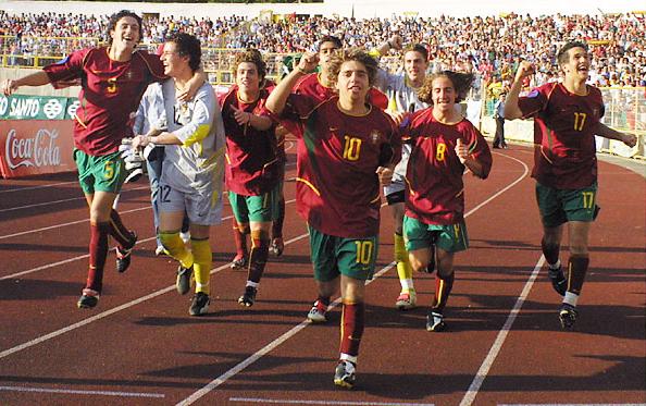 A seleção portuguesa campeã europeia sub-17 (Foto: Reprodução/visaodemercado.blogspot.com)