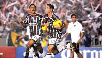 Meio-campista Thiago Neves foi determinante na decisão, para bem e para o mal (Foto: Reprodução)