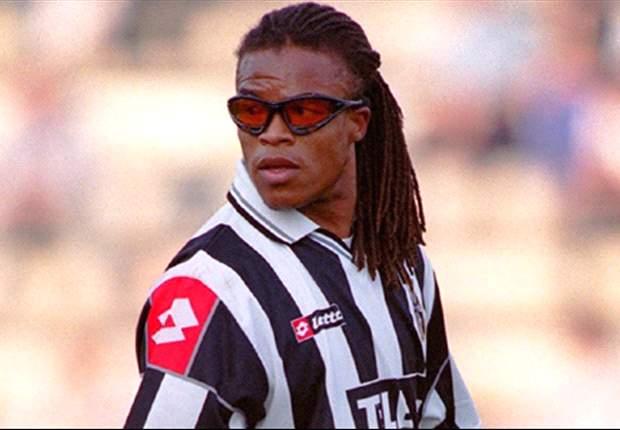 Davids com a camisa da Juventus (Foto: Reprodução)